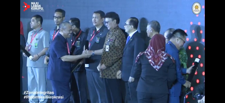 Pengadilan Negeri Surakarta Kelas IA Khusus Raih Anugerah Zona Integritas Wilayah Bebas Dari Korupsi (WBK) Tahun 2019